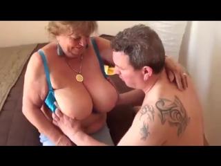 Секс трах пожилых бабушек трахают - старушки подборка порно