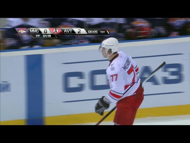 Мегалинский организует победный гол / Megalinsky steals the puck from Lee, makes Popov scores