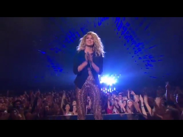 Tori Kelly - Should've Been Us (Live MTV VMA 2015)