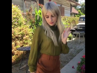 Emma roberts dances to the song carly rae jepsen
