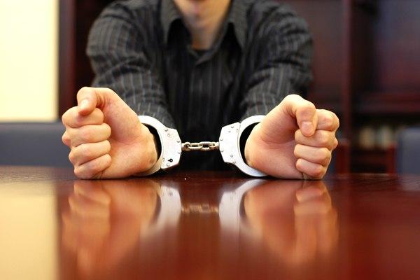 В защиту защитников: Предлагается обязать следствие уведомлять адвокатские палаты о задержании адвокатов
