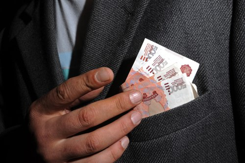 Депутат из Кобяйского улуса сам себе назначил стимулирующую премию
