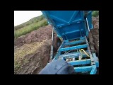 Прицеп самосвальный с гидроприводом. Мини трактор МТЗ-132. Выгрузка из прицепа.
