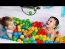 ★ Развлечения Для Детей Игрушка для Ванной Пиратский Корабль Купаемся в Пене Шариках Game bath ball