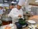 Поль Бокюз готовит