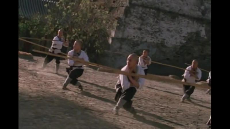Джет Ли в роли монаха Шаолиня тренировка с посохом Jet Li as monk Shaolin training with staff
