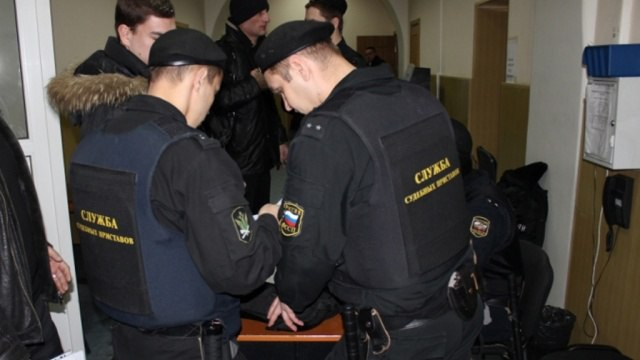 В Нерюнгри должник за уклонение от обязательных работ получил 7 суток ареста