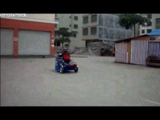 Самодельный трицикл для инвалидов.Homemade tricycle for the disabled.