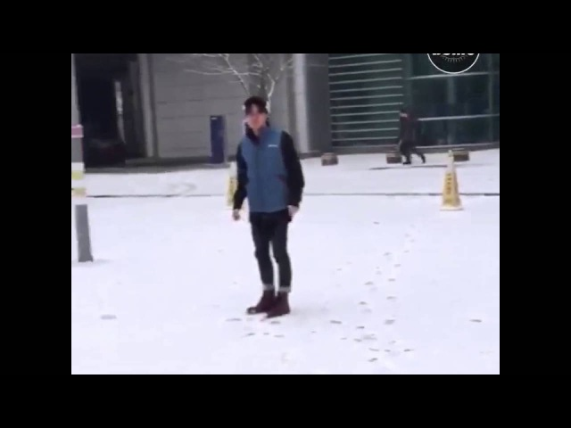 BTS SNOWBALL FIGHT (ENG SUB) Bangtan Bomb BTS TWITTER UPDATE {Jimin's narration is so adorkable}