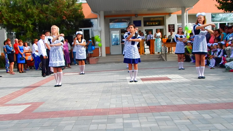 Танец на 1 сентября. 11 класс.