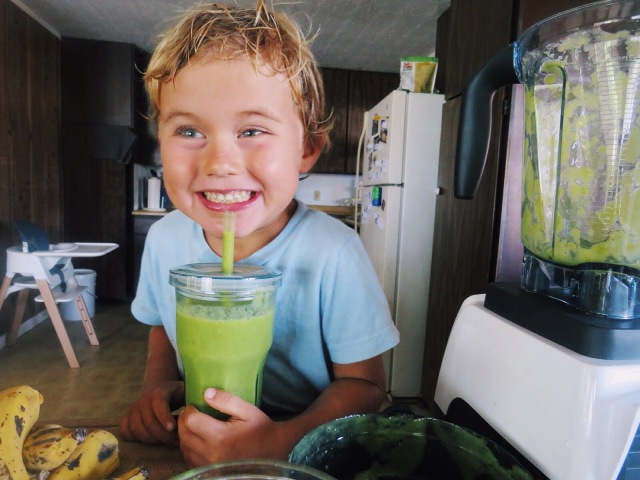 What my VEGAN 4 year old ate today on Maui!