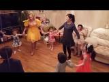Веселые танцы в хорошей компании. Аниматор Фея Мыльных Пузырей.
