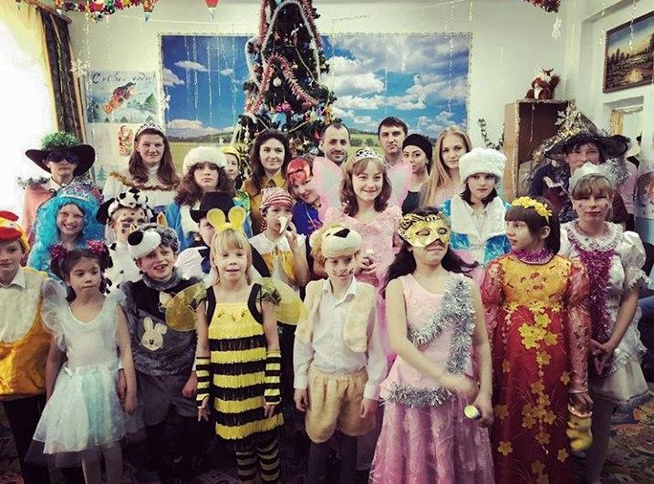 Детей из школы-интерната в селе Хуса-Кардоник поздравили с Новым годом