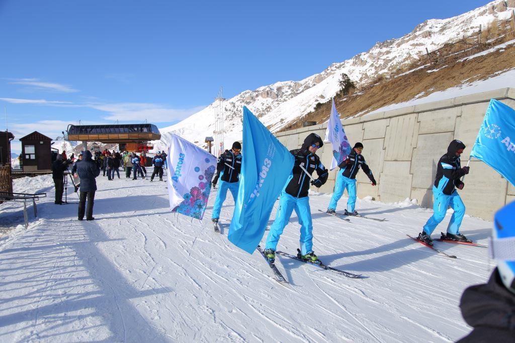 В Зеленчукском районе на курорте «Архыз» торжественно открыли зимний горнолыжный сезон