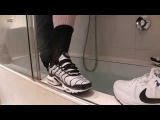 Nike air max TN & Command   Fully clothed in the bath