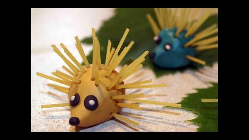 Поделки из макарон для детей Ёжики из пластилина и спагетти