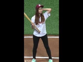 160413 Hayun (Brave Girls) @ 2016 Pro Baseball Nexen Heroes vs KT Wiz