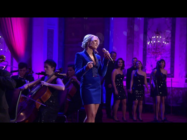 Helene Fischer - Driving Home For Christmas (Live aus der Hofburg Wien)