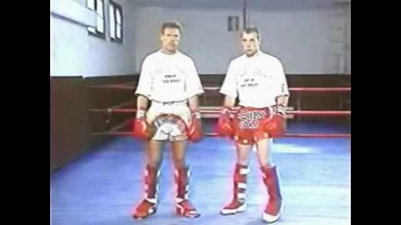 Роб Голландец Каман, девятикратный чемпион мира по кикбоксингу и тайскому боксу.