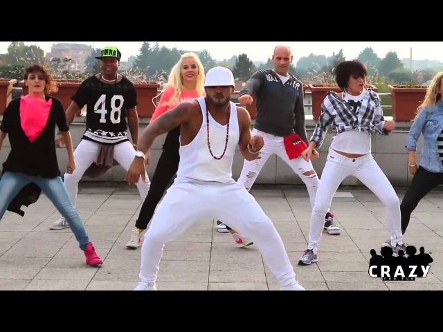 Daddy Yankee Vaiven Zumba® choreo by Crazy For Fun®