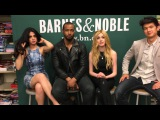 Mundie Moms chat with the cast of Shadowhunters