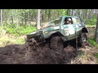 Нива на 35-ых колесах — испытания в боевых условиях