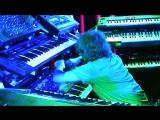 Парень Круто Играет На Синтезаторе Вживую (Крутой Клавишник, Музыкант)