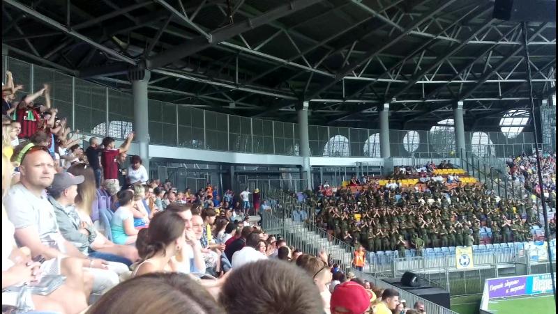 Болельщики Батэ болеют за Милан. (01.07.2016 Борисов-Арена)
