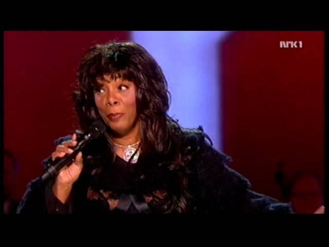 Donna Summer - Bad Girls / Hot Stuff Speech (Nobel Peace Prize Concert '09) HD