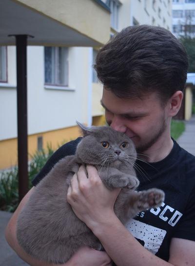 Максим Шако