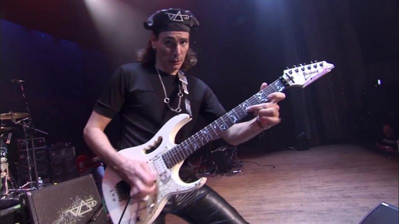 Steve Vai - The Audience Is Listening (Live 2009)