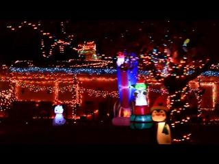 Как американцы украшают дома на Рождество