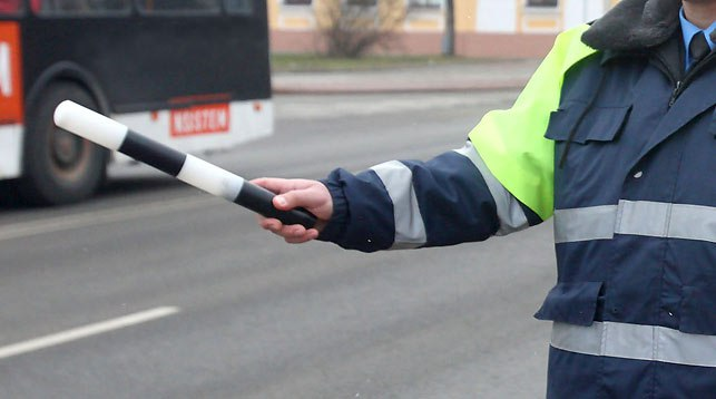 В Таганроге ИДПС задержали пьяного водителя Toyota Vitz