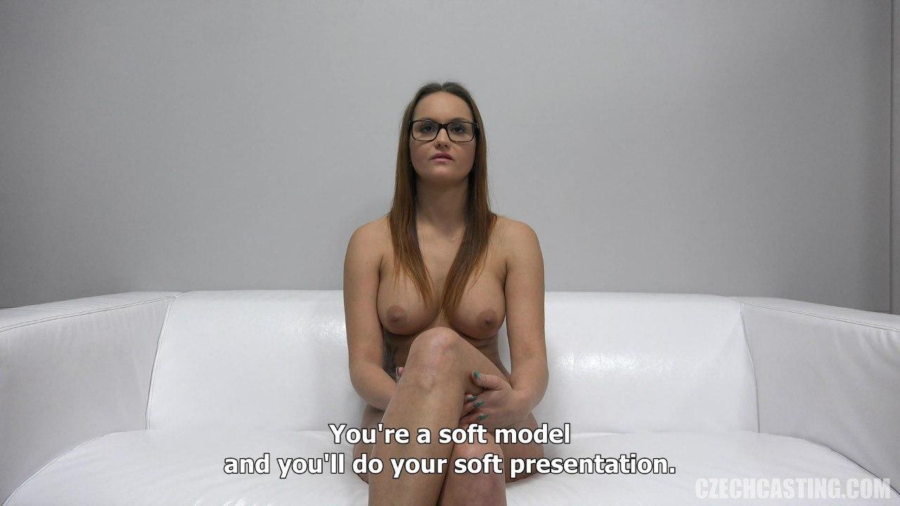 Разговор с голой чешской девушкой