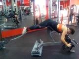 Обратная гиперэкстензия с нижнего блока + разведение ног. Супер упражнение для накачки попы!