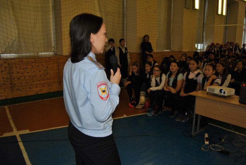 В рамках проведения Дня правовой помощи детям инспекторы ПДН и Общественный совет при МВД по РС(Я)) провели ряд мероприятий