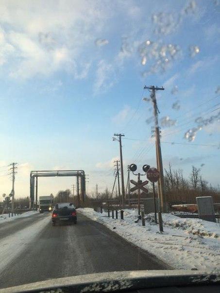 Инспекторы ДПС в Нижнекамске собирают пробку на ж/д переезде в часы пик — «Народный контроль»