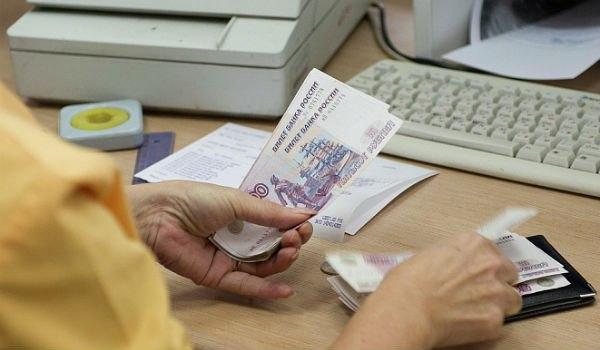 В Якутии житель Красноярска устроился на две работы, ухитрившись получать отпускные из двух мест
