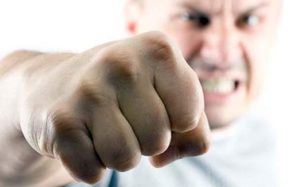 В Якутске мужчина одним ударом кулака отправил оппонента на больничную койку