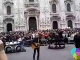 I Pooh Live a sopresa Piazza Duomo a Milano. Giuseppe R.
