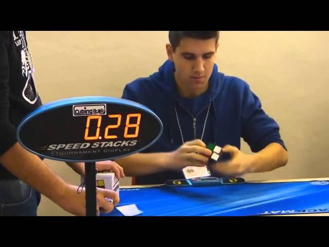 Рекорд мира в сборке Кубика Рубика 2х2 0 69 секунд