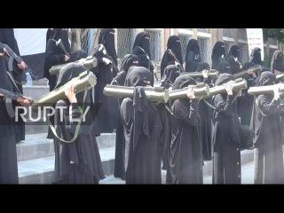 Йемен: Все-женская бригада Хути бойцов провесил парад в Сане.