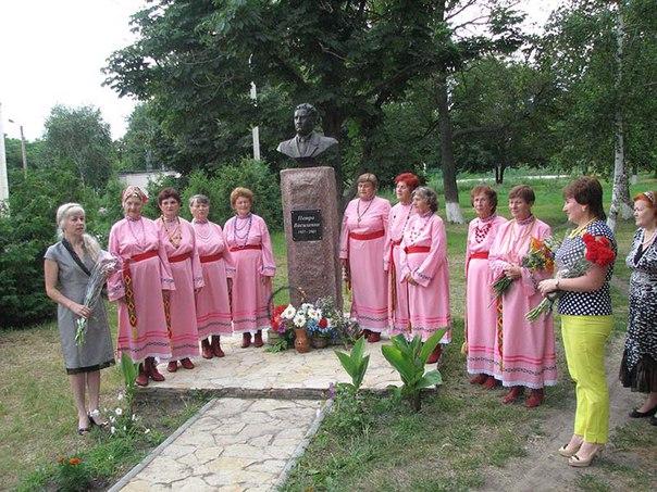 На Печеніжчині вшанували пам'ять видатного поета Петра Василенка