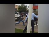 Нападение Преступника с Ножом на Полицейских в Москве