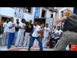 Policial entra na roda de capoeira e dá show no Pelourinho - Bahia