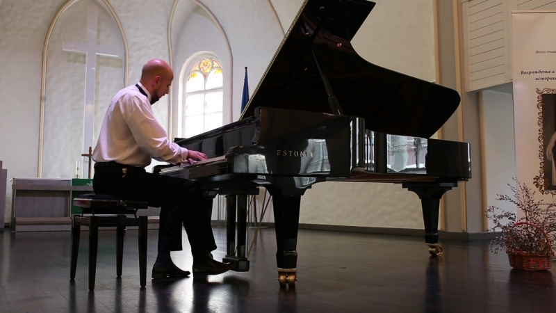 К. Дебюсси. «Бергамасская сюита». Менуэт. Международный конкурс пианистов-любителей «Фортепианные мосты». Июль, 2015 г.