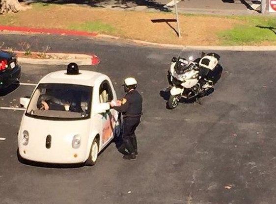Беспилотник Google впервые в мире оштрафован за ПДД