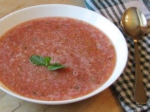 Салат из арбуза и помидоров DIjPsBRokik
