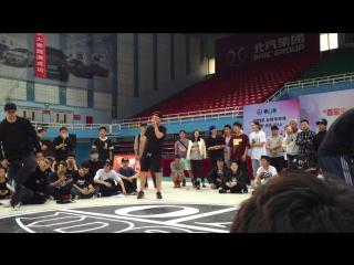 Andre (Ukraine) vs Zooty Zoot (Korea)