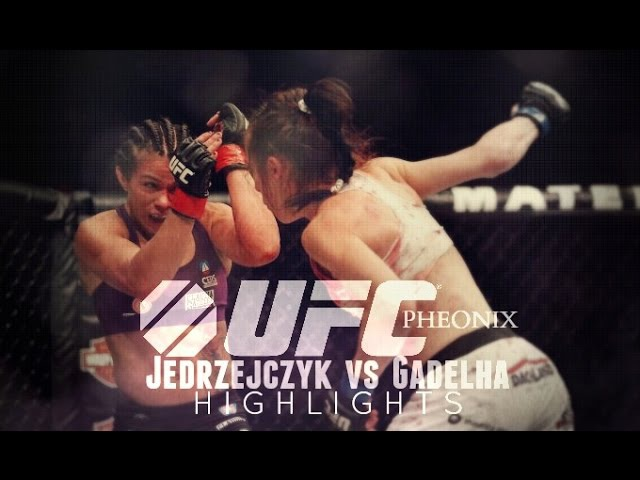 Joanna Jedrzejczyk vs Claudia Gadelha Highlights